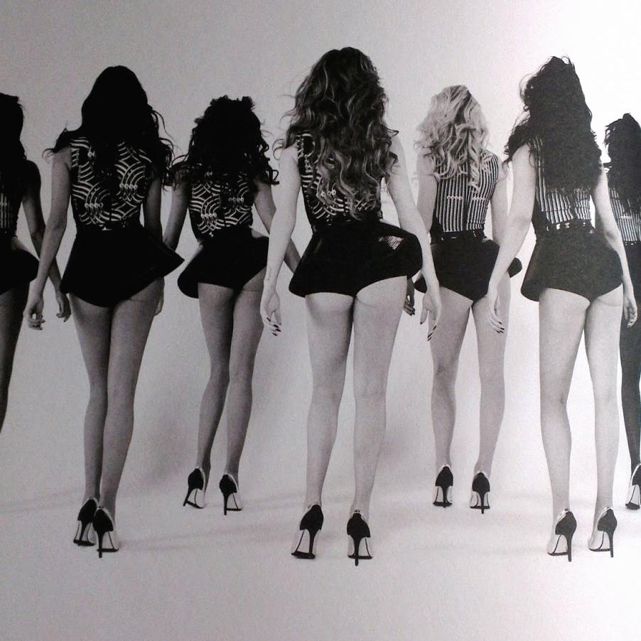 Beyonce-Tour-Book-9