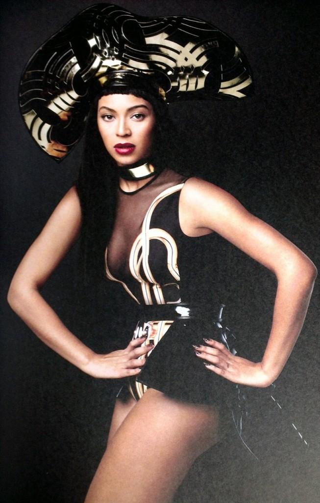 Beyonce-tour-booklet-4-653x1024