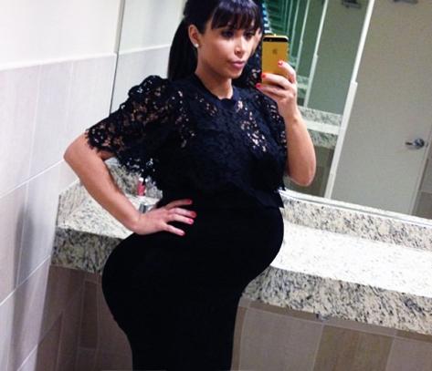 kim-kardashian-pregnant-belly-2