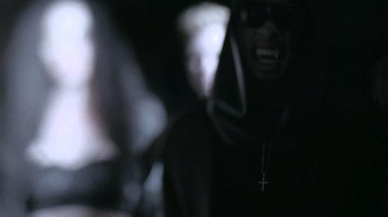 Video: Tyga – Throw It Up