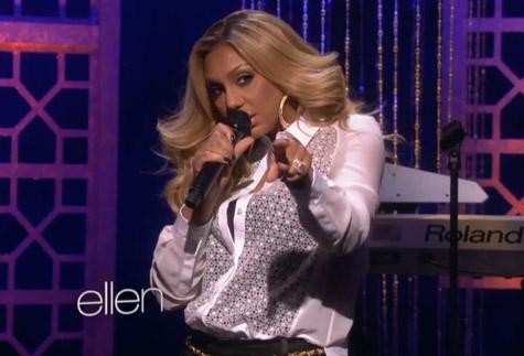 Video : Tamar Braxton live on The Ellen Show .